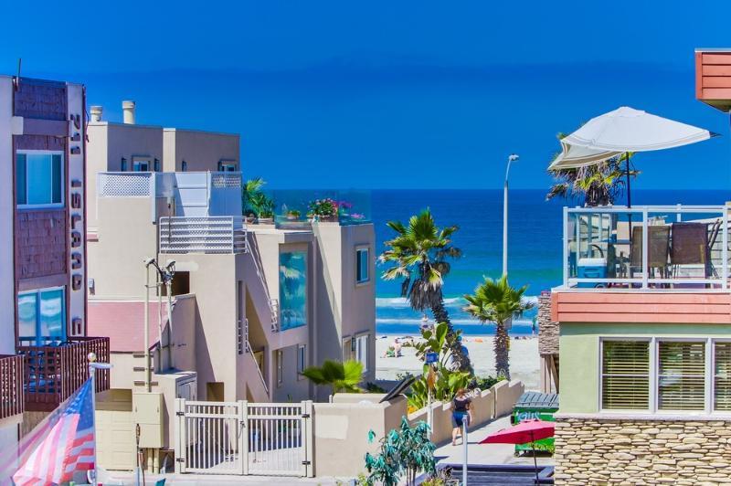 Panoramic **Ocean Views**, Rooftop Deck!!! - Image 1 - Pacific Beach - rentals
