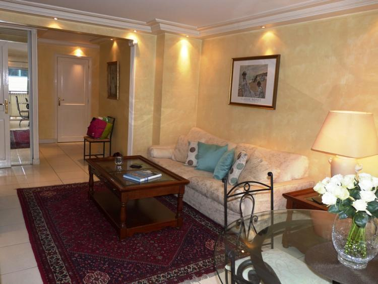 Red Antares, Wonderful 2 Bedroom Cannes Apartment with Terrace - Image 1 - Cannes - rentals