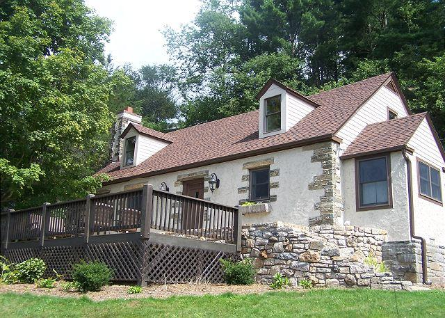 The Hill is the best in country living, minutes from Main Street Blowing Rock - Image 1 - Blowing Rock - rentals