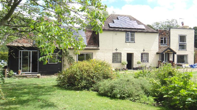 House built in 1800 - Stable Lodge Bed & Breakfast, near  Canterbury, UK - Canterbury - rentals