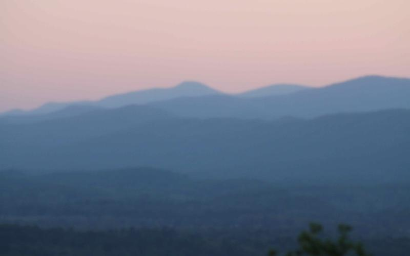 180 degree mountain views - Gorgeous View From Burge Mtn 10 min Hendersonville - Hendersonville - rentals