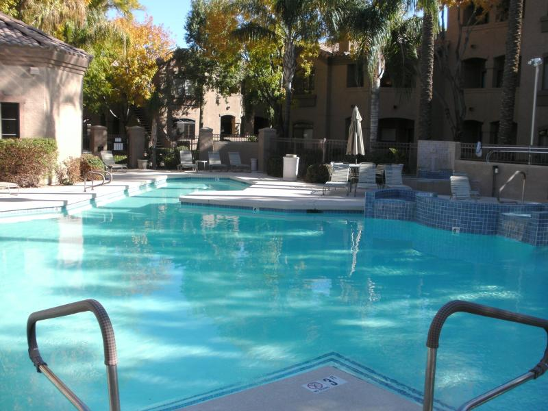 Resort Type Pool - Renovated 1Bed/1Bath Ground Level Condo - Scottsdale - rentals