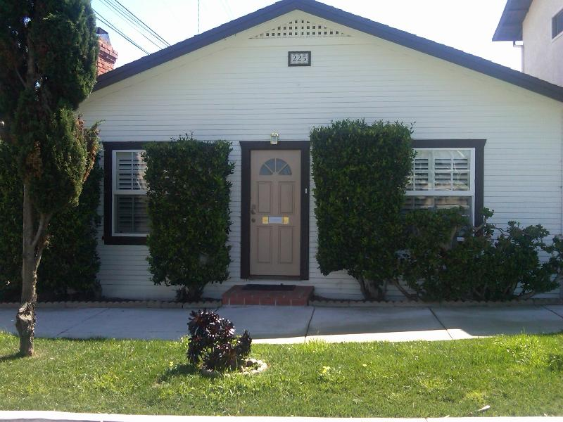 Comfortable, cozy cottage close to beaches, shops and restaurants. - In Old Encinitas, near beaches, shops and train. - Encinitas - rentals