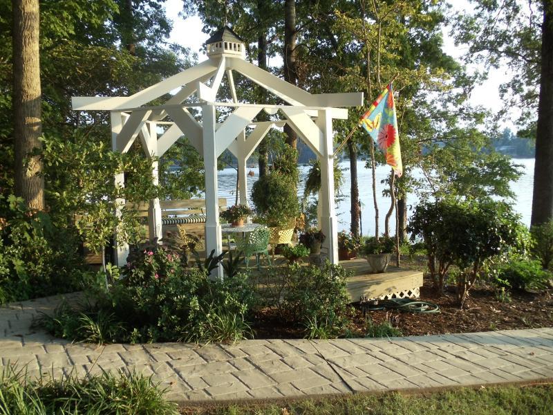 Beautiful Lake Keowee Waterfront Home, 7 miles to Clemson - Image 1 - Seneca - rentals