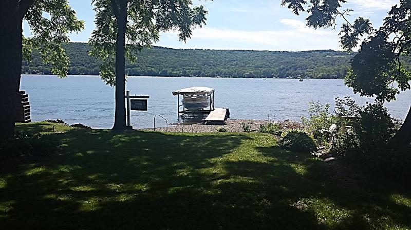 Level beach - Honeoye Lake Cottage - Honeoye Lake - rentals
