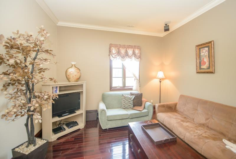 The Lincoln Suite - Image 1 - Welland - rentals