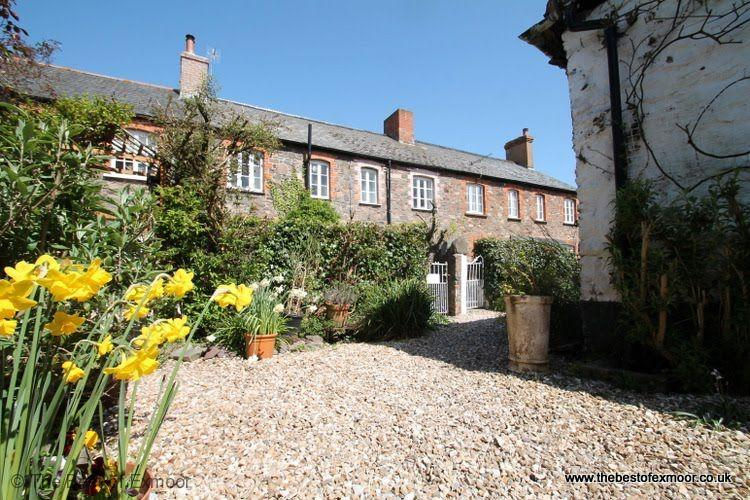 Grace Cottage, Porlock - Sleeps 4 - Exmoor National Park - Image 1 - Porlock - rentals