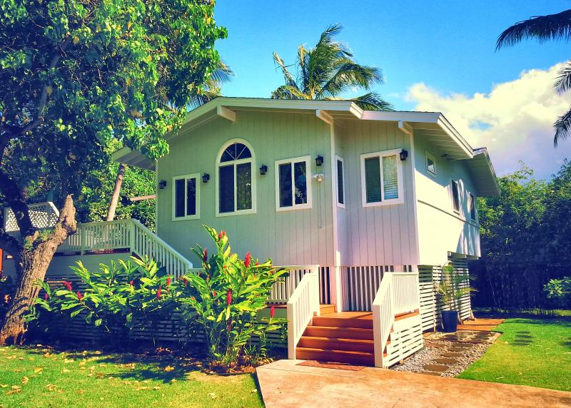 Welcome to your North Shore Paradise vacation home! - 10 YRS Great Reviews, Hot tub, Best Beach, 4 Bikes - Sunset Beach - rentals
