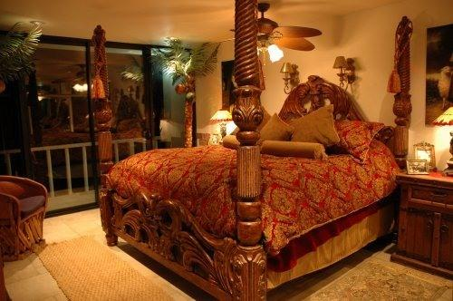 Master Bedroom with King Poster Bed - Baja Overnight Oceanfront Condo, Rosarito, Gated - Rosarito Beach - rentals