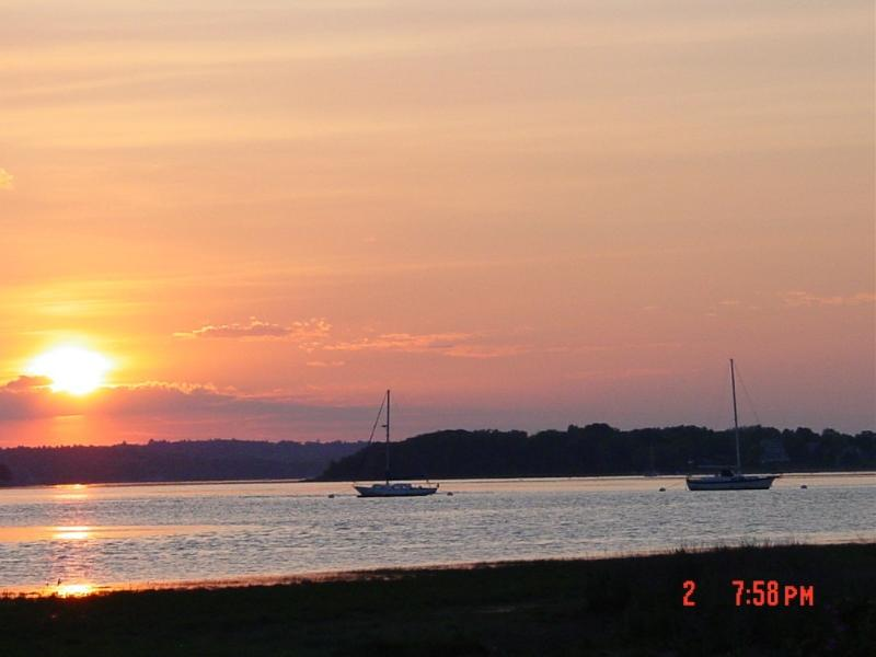 Sunset Over the River - GET AWAY FROM IT ALL AND RELAX AT THE BEACH! - Marshfield - rentals