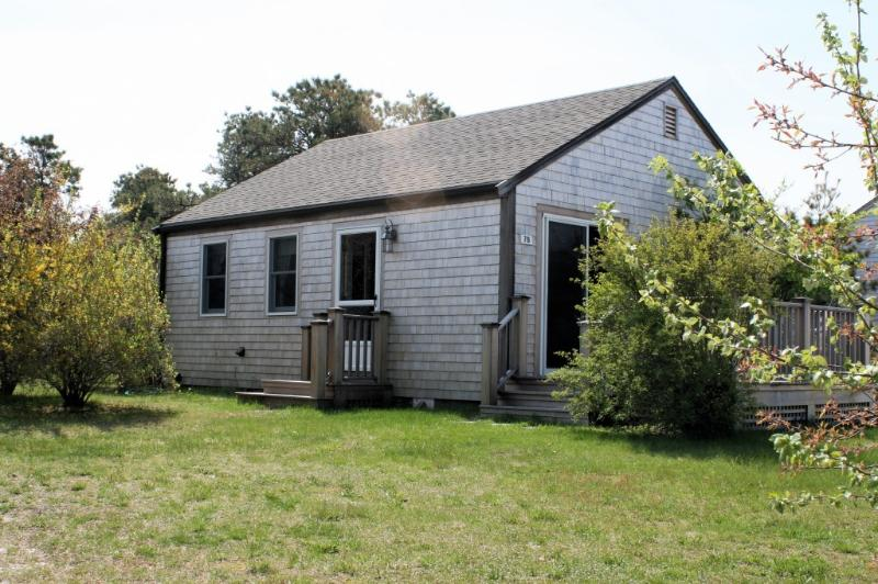 7B Forrest Avenue nestled in the pines - Mid Island Getaway - Nantucket - rentals
