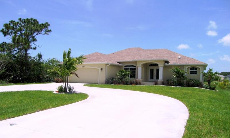 Our Glorious Gulf Villa, Rotonda West, Florida's Gulf Coast - Waterfront Gulf Coast Villa - Pure Luxury! - Rotonda West - rentals