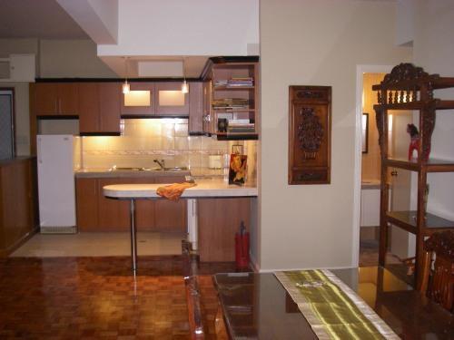 dining/kitchen/nook - SPACIOUS Roxas Blvd Condo, MNL Bay view across CCP - Makati - rentals