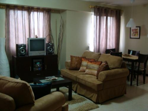 Living Room - Nice and Pleasant Condo with Balcony - Pasig - rentals
