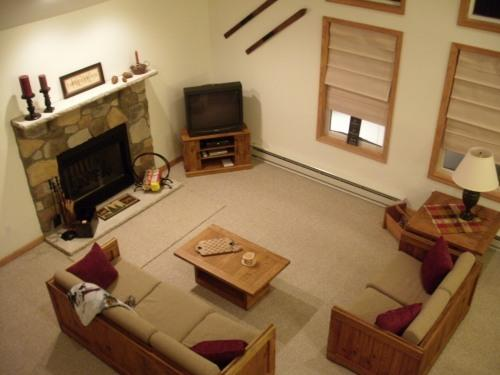 Towamensing Trails Spacious Mountain Chalet - Image 1 - Albrightsville - rentals
