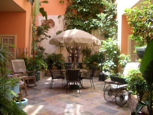 courtyard - St. Philip French Quarter Apts - Luxury Suite Apt - New Orleans - rentals