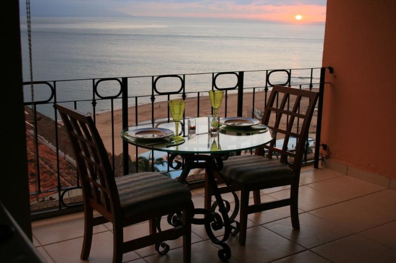 Sunset Dining on Balcony - Azul Pacifica, Beach Front Condo, Puerto Vallarta - Puerto Vallarta - rentals