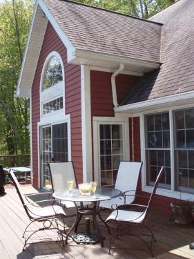 first floor deck - Skaneateles Lake cottage - Moravia - rentals