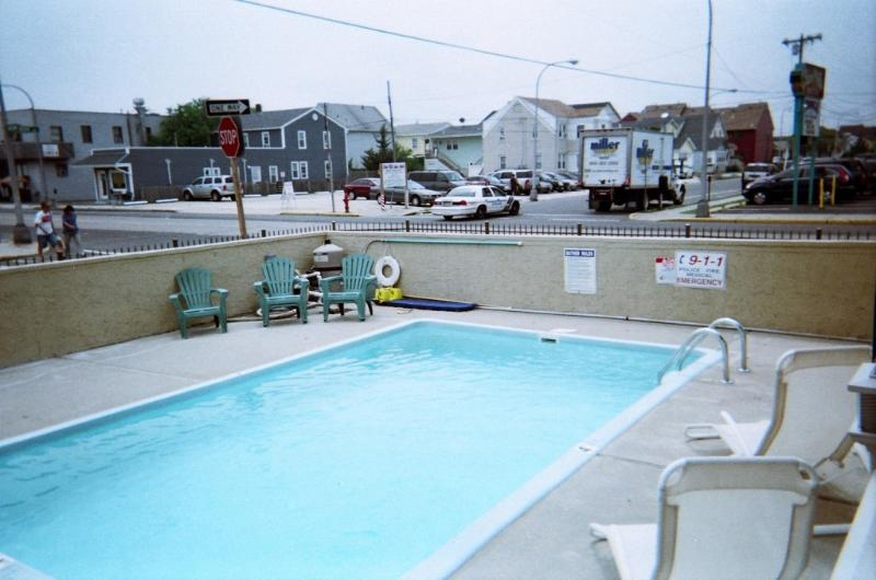 swimming pool - 2 bedroom with pool , avail. 2015 !!!! - Seaside Heights - rentals