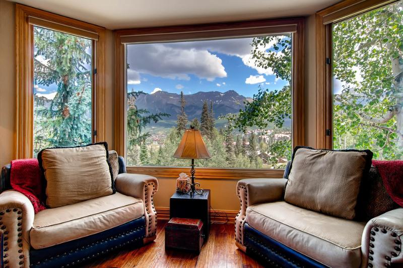 The only thing better than these views are the views from the top of that peak... and that's a tough hike. - Don't act like you're not impressed - Mountain Village, private balcony, community hot tub and game room - The Grand Lorian - Mountain Village - rentals
