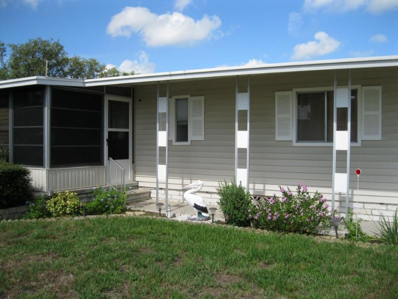 Lake Tarpon Village Exterior - Beautiful Lake Tarpon Mobile Home  2/2 Pool & Dock - Palm Harbor - rentals