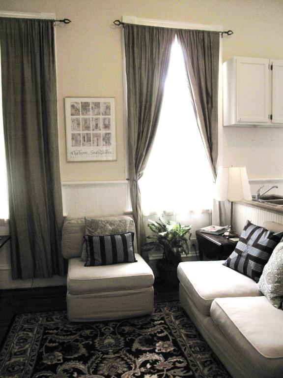 Pottery Barn Sofa -cozy living room. Flat screen TV /cable /wifi - Historic District-Private apt.-MONTHLY ONLY! - Charleston - rentals