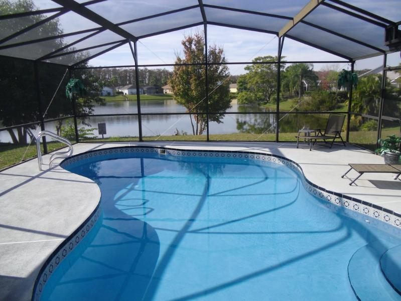 Inexpensive Luxury Villa on the Lake (for under $500 wk) - Image 1 - Kissimmee - rentals