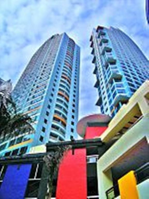 One Central Park Condo Eastwood, QC, Manila - $55/Night - Condo 2 Br 2 BA, Eastwood Quezon City - Quezon City - rentals