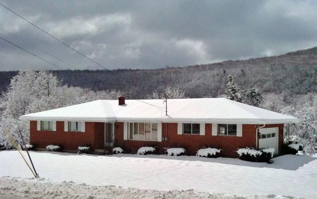 At the foot of Camelback Mtn - 4 mins to slopes! - 4 minutes to Camelback slopes - 1+ Acre Ranch Home - Tannersville - rentals