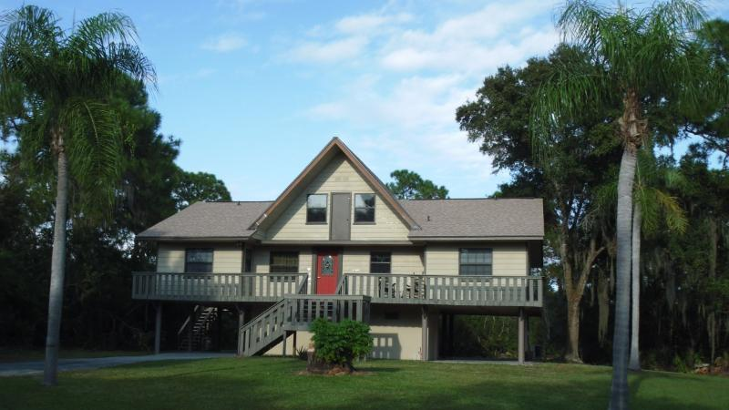 Welcome to Twin Palms! - Twin  Palms Sleeps 12, Ideal for 2 Families! - Port Charlotte - rentals