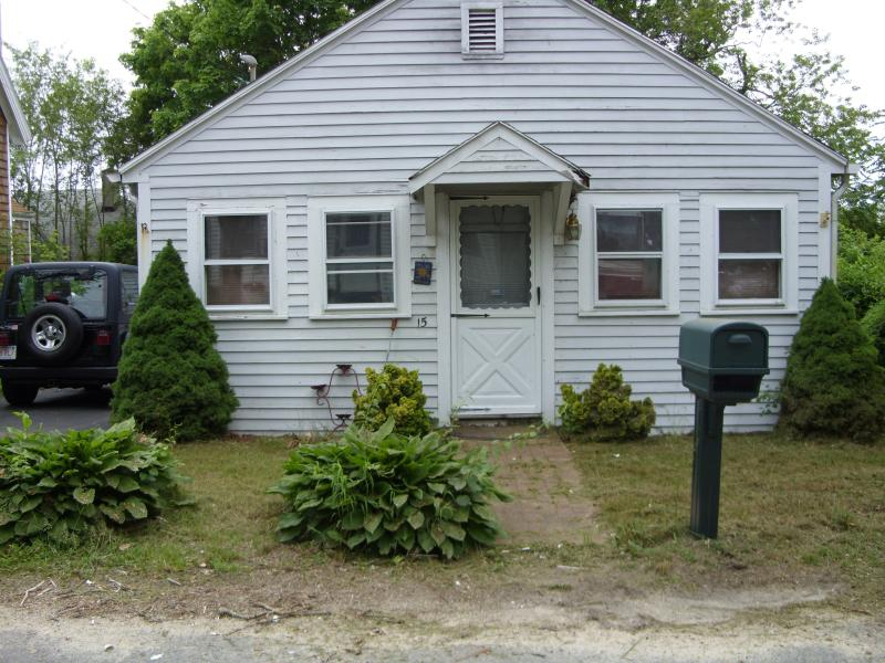 quaint Onset cottage walk to the beach - Image 1 - Onset - rentals