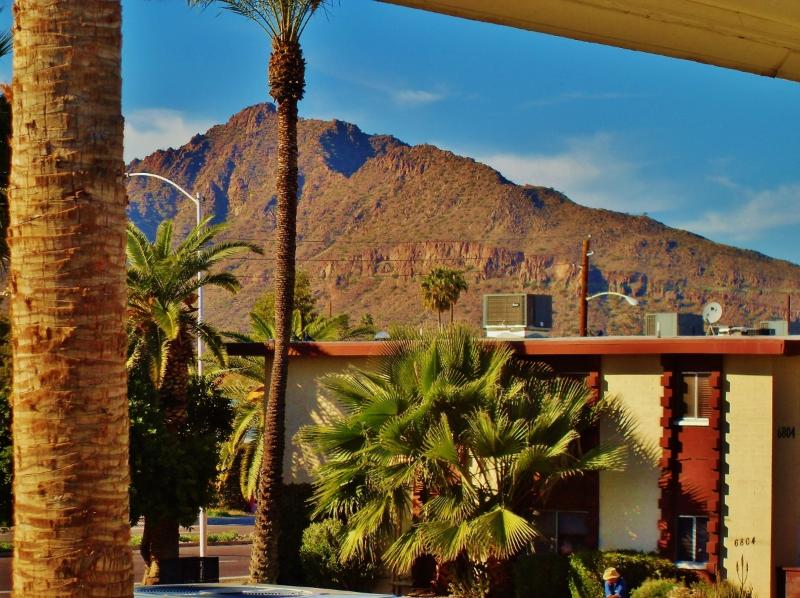 View of Camelback Mountain from your living room - Rent Scottsdale Condo in Old Town - Scottsdale - rentals