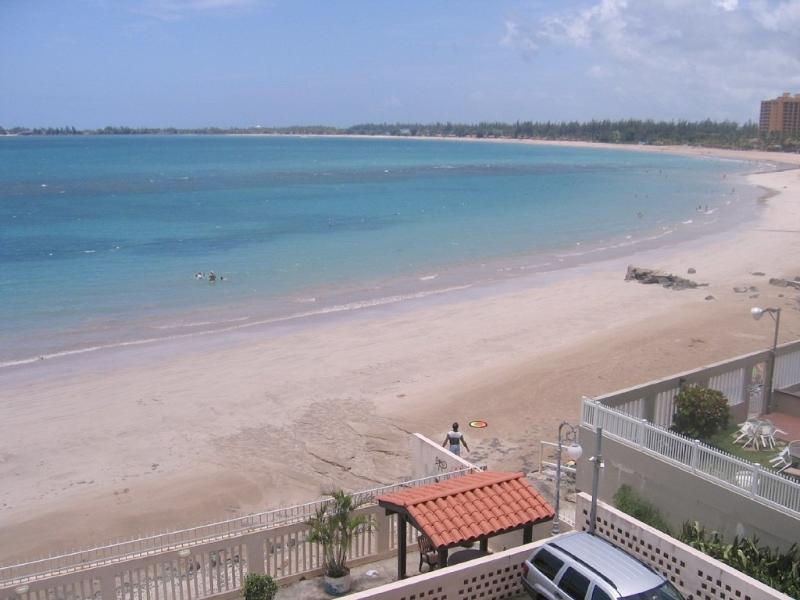 Oceanfront Apartment with Spectacular View - Image 1 - Isla Verde - rentals