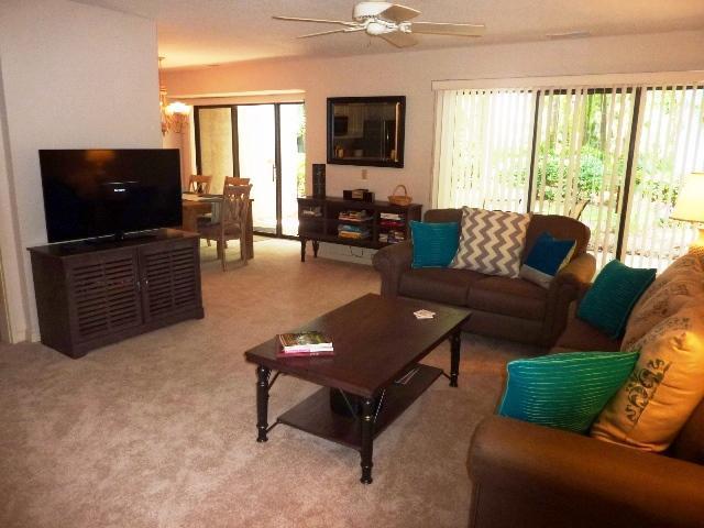 living area - 491,SEAPINES, Beach,Pool,Bikes,PetOK,Tennis,WIFI - Hilton Head - rentals