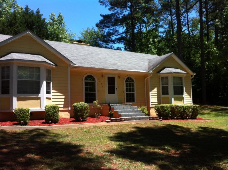 The Cozy Home #2 is located in a quiet sub-division on the west side of Atlanta - Cozy Home #2 Atlanta, Six Flags over GA! - Douglasville - rentals