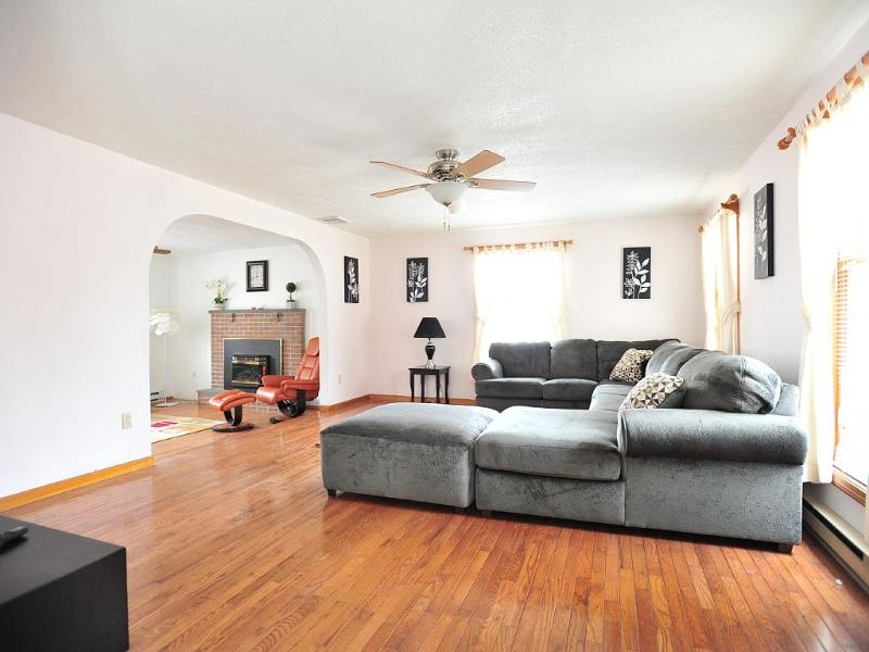 Presidential Suite Vacation Home, Enormous - Image 1 - Tannersville - rentals