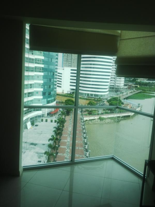 vista desde la sala - 1 bedroom suite - Guayaquil - rentals