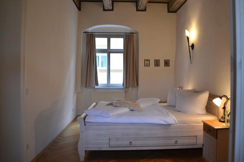 Master Bedroom (1) - LLAG Luxury Vacation Apartment in Pirna - 1033 sqft, high-quality furnishing, historic (# 2486) - Pirna - rentals