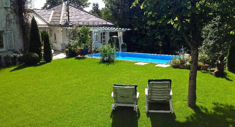Vacation Apartment in Starnberg - 646 sqft, a few minutes from center, pool may be used (shared) (#… #850 - Vacation Apartment in Starnberg - 646 sqft, a few minutes from center, pool may be used (shared) (#… - Starnberg - rentals