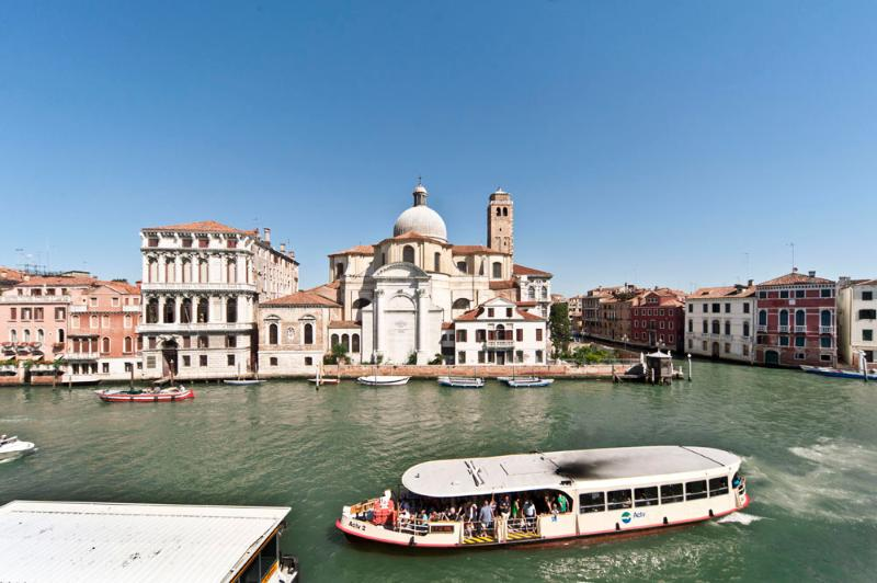 View on the Grand Canal from the living room and dining room - Amazing Apartment facing Grand Canal in Venice - Venice - rentals