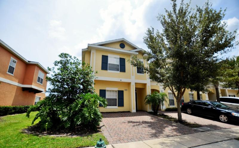 1800 Sqft 5br/3ba townhouse - Close Disney,Seaworld, 5BR with hot tub/lake view - Kissimmee - rentals