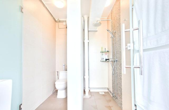 Bathroom - NA - Singapore - rentals