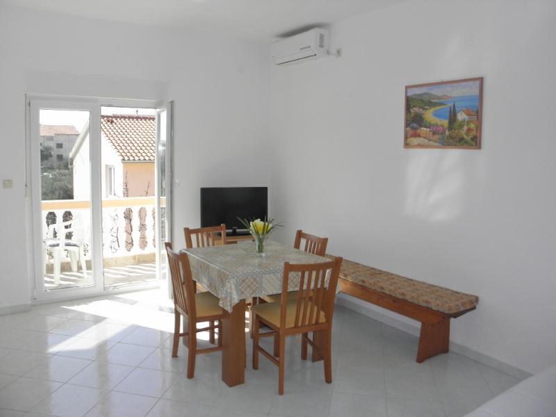 Apartments Anastazija - 24111-A3 - Image 1 - Srima - rentals