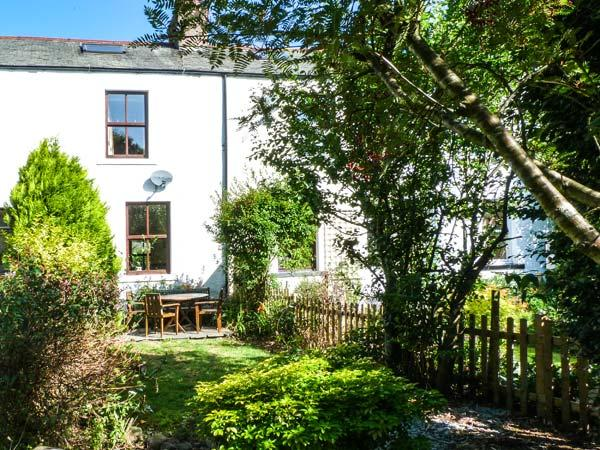 BETHANY'S COTTAGE, pet-friendly, over three floors, woodburner, WiFi, in Coniston Ref 29604 - Image 1 - Coniston - rentals