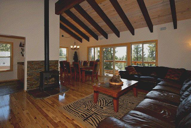 Open Concept Living Room w Lg Leather Sectional - Tahoe Luxury Hm, Hot Tub & Game Room, WiFi, Dog OK - Tahoe Vista - rentals