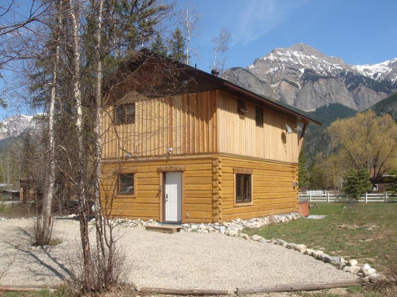 Early Winter at Kicking Horse Kabins - Kicking Horse Kabins - Canada Select 4 1/2 * Lodge - Golden - rentals