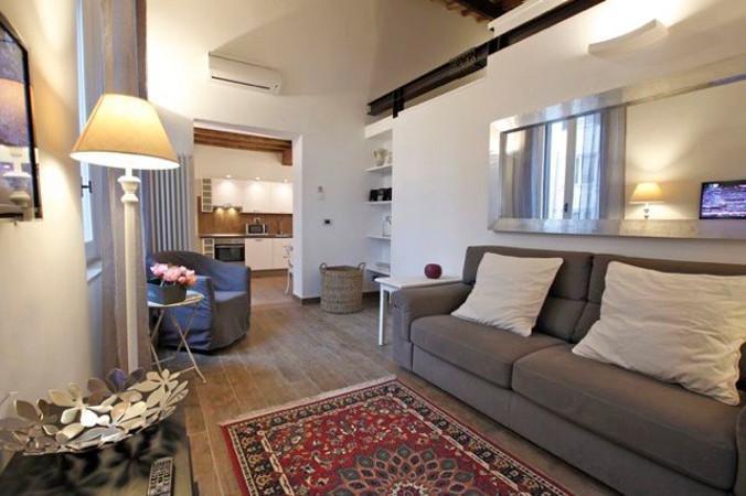 PIAZZA NAVONA LUXE 06 : 3BR/3BA - Image 1 - Rome - rentals