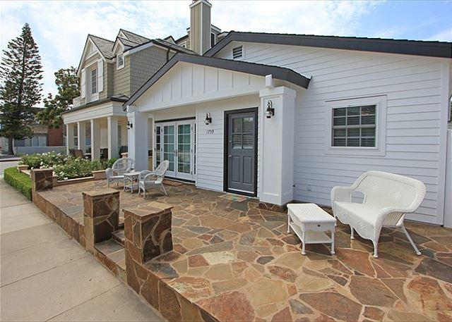 Newly Renovated Favorite Peninsula Point Home w/Front & Back Patios! (68104) - Image 1 - Newport Beach - rentals