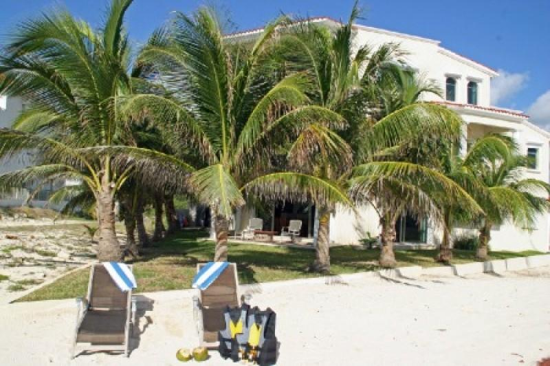 MAYA - DOLP4  smartly decorated beachside villa located in the heart of the Mexican Riviera. - Image 1 - Paamul - rentals