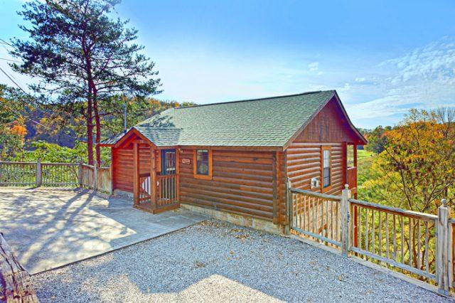 Featured Property Photo - A Hilltop Heaven - Pigeon Forge - rentals